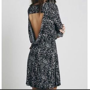 Free People Dresses - Free People Floral Dress Asymmetrical Scoop Back L